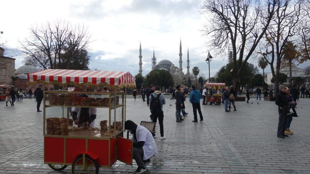 Вид на мечеть Султан Ахмет со стороны музея Айя-Софии