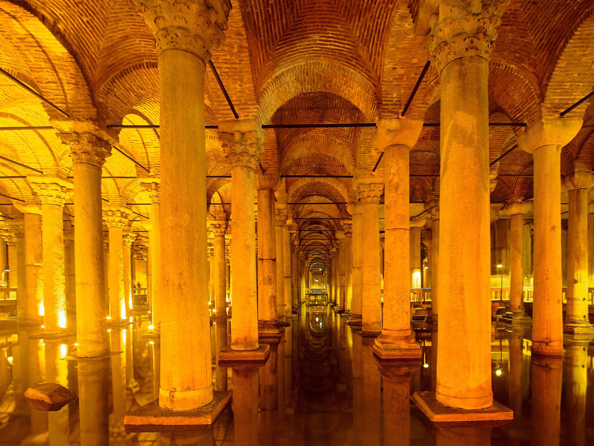 Базилика Цистерна в Стамбуле