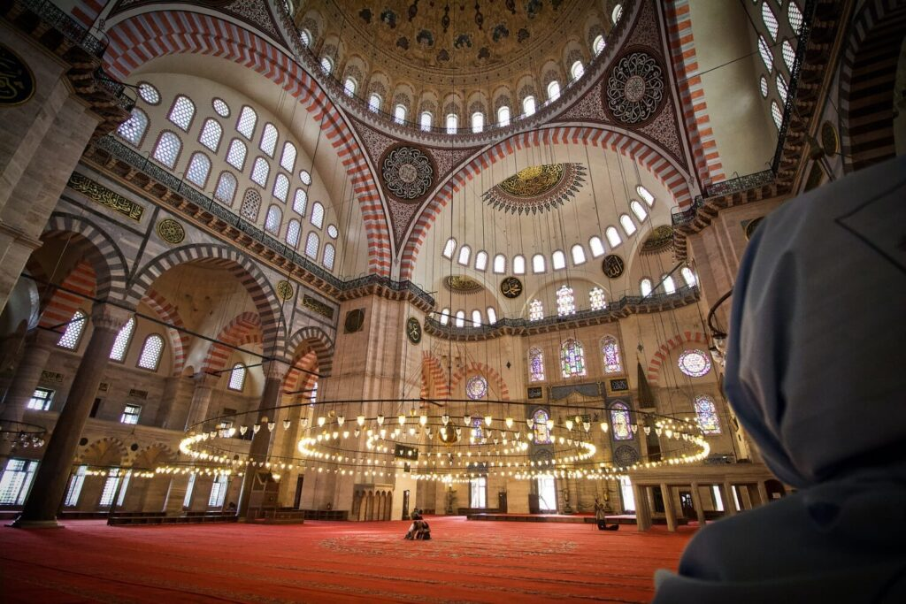 Фото внутри Голубой мечети в Стамбуле