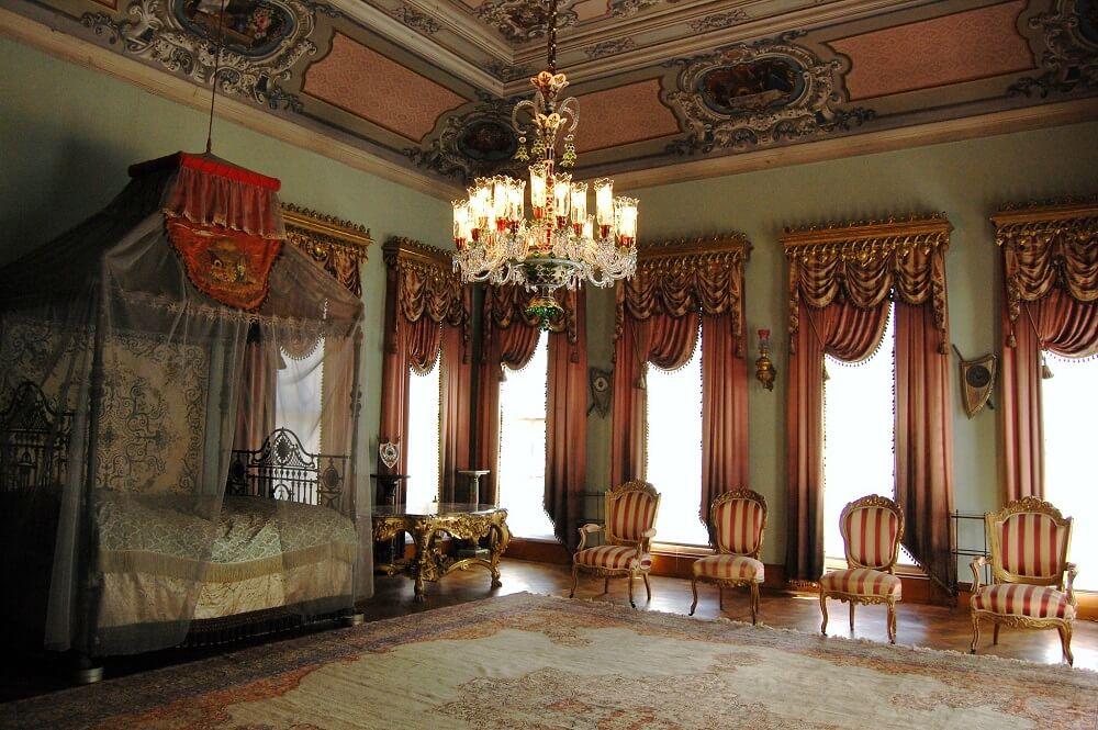 Гарем дворца Долмабахче