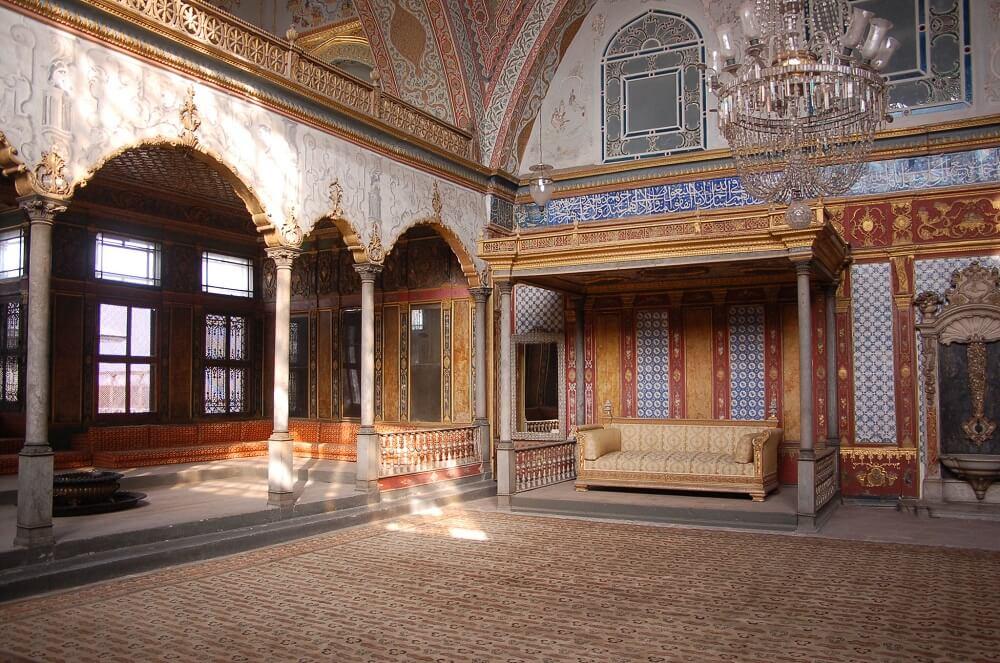 Императорский зал в гареме дворца Топкапы