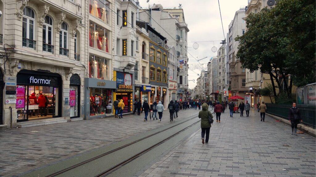 Истикляль улица в Стамбуле