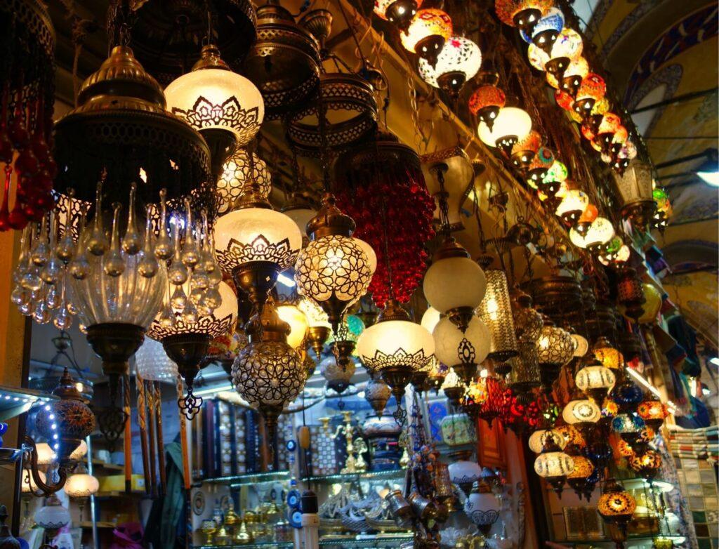 Лампы на Капалы Чарши
