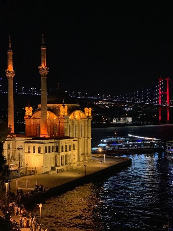 Ночной Ортакёй в Стамбуле