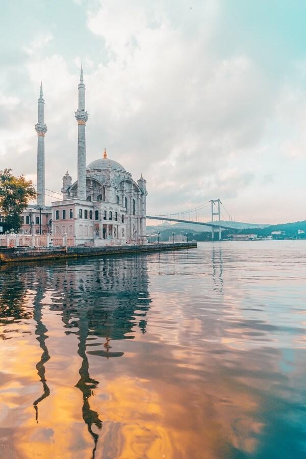 Мечеть Ортакёй в Стамбуле