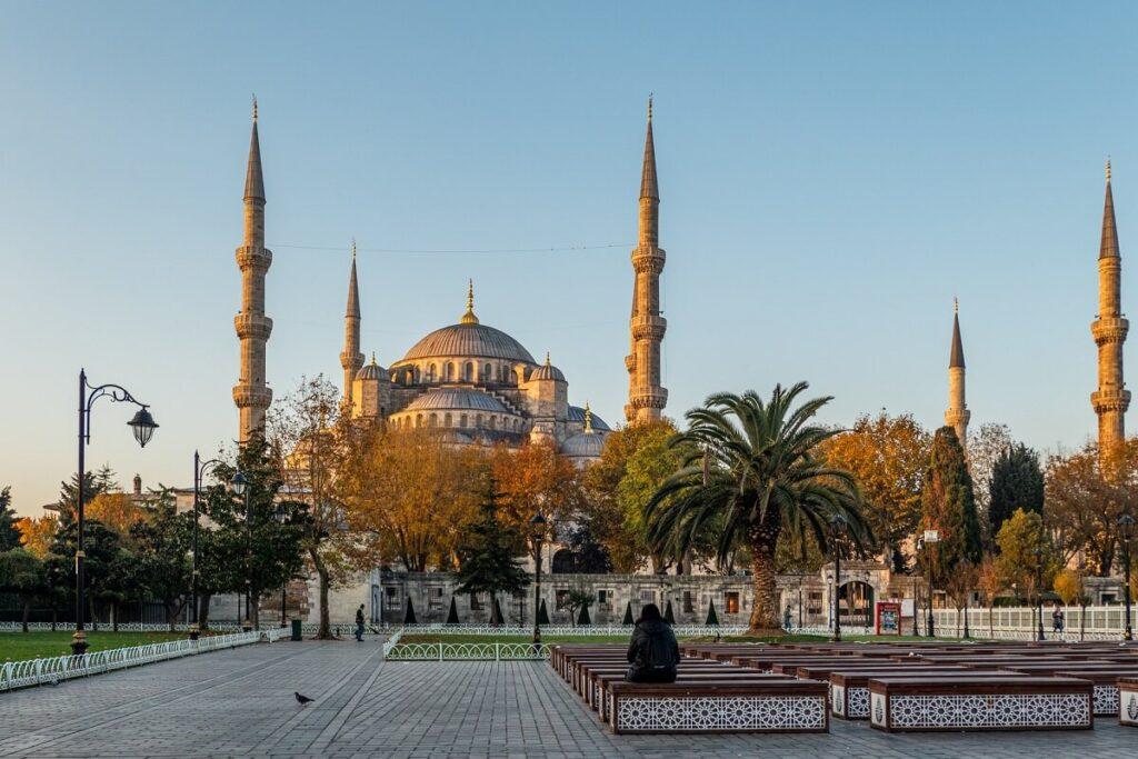 Голубая мечеть осенью